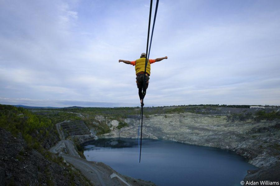 slackline highline friedi kühne world record asbestos mine 1.9km