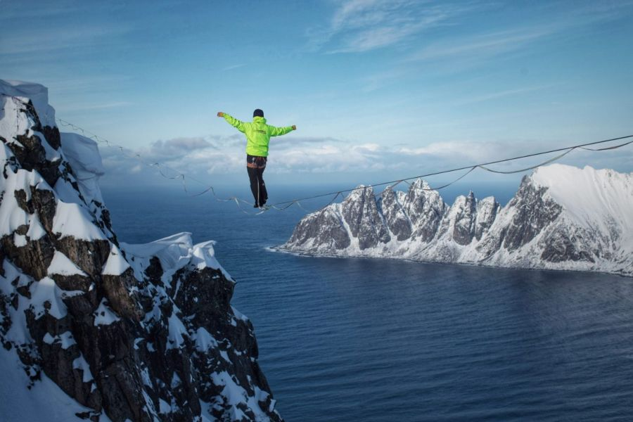 slackline highline friedi kühne norway arctic