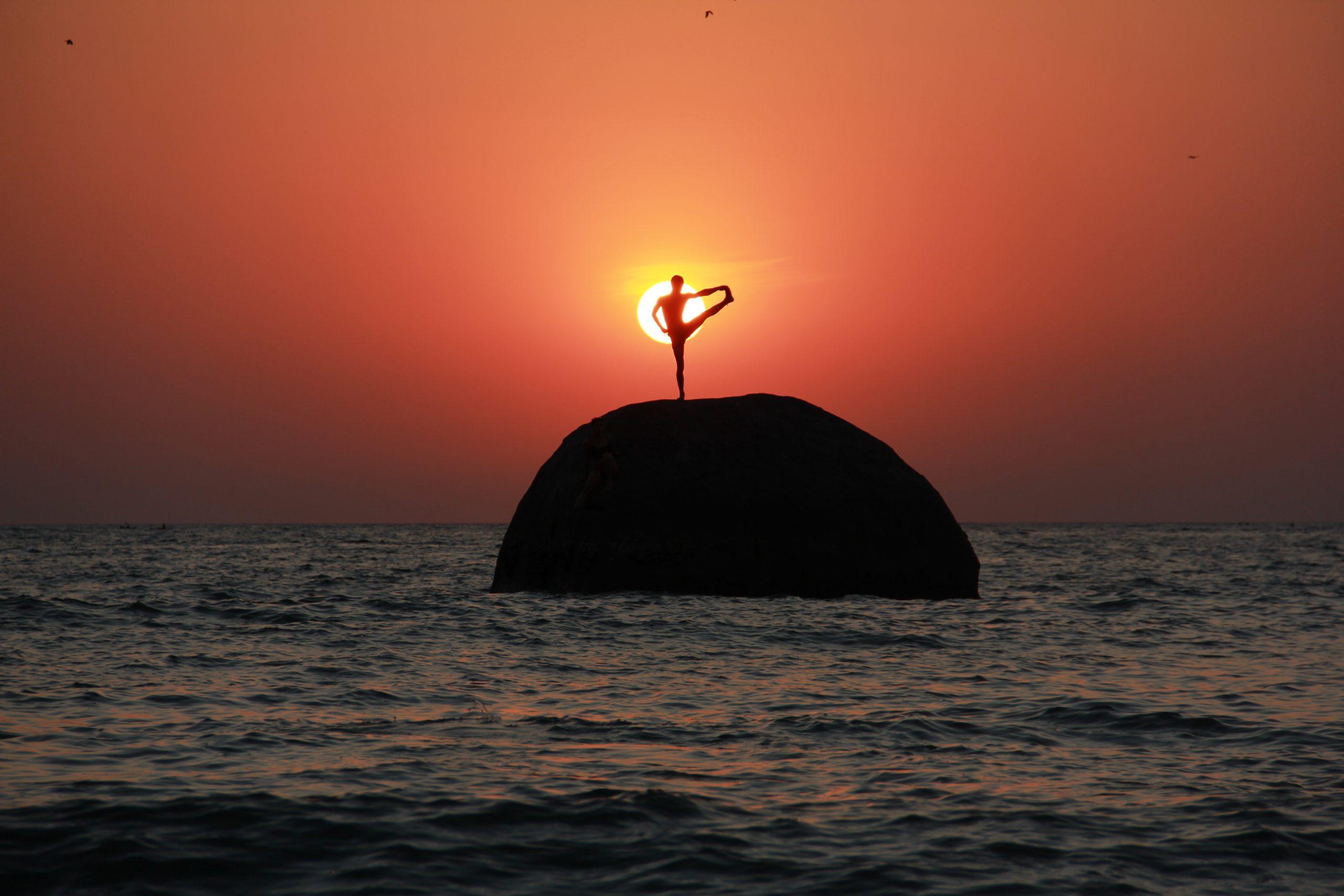 slackline highline indien india yoga pose