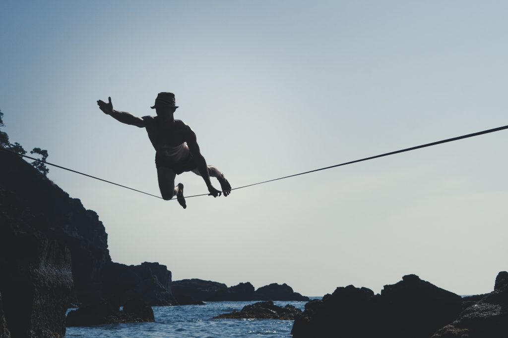 slackline highline indien india yoga beach strand